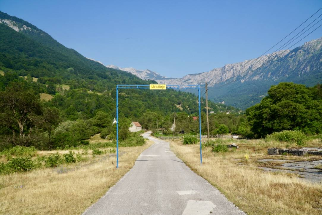 8-Entry-to-Martinje.jpg
