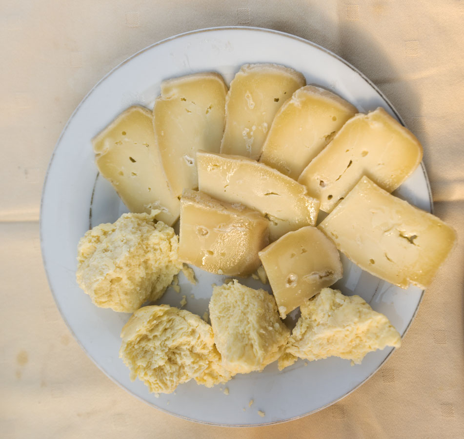 what to eat in herzegovina cheese in oil7